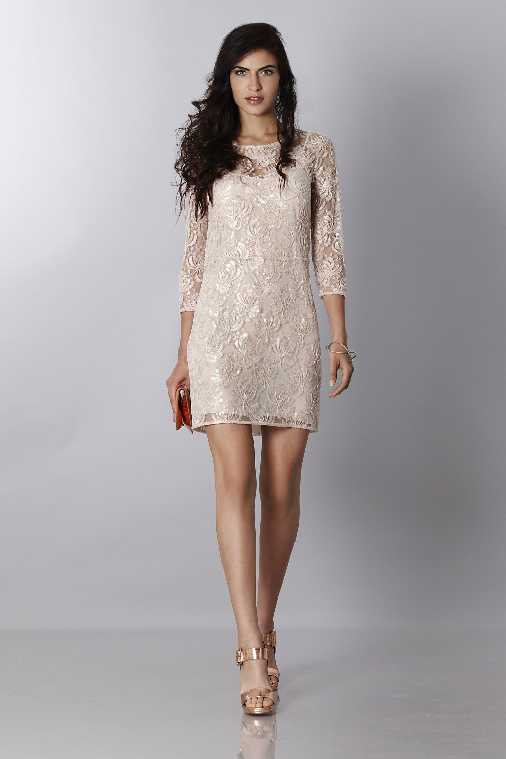 Short dress with decorations