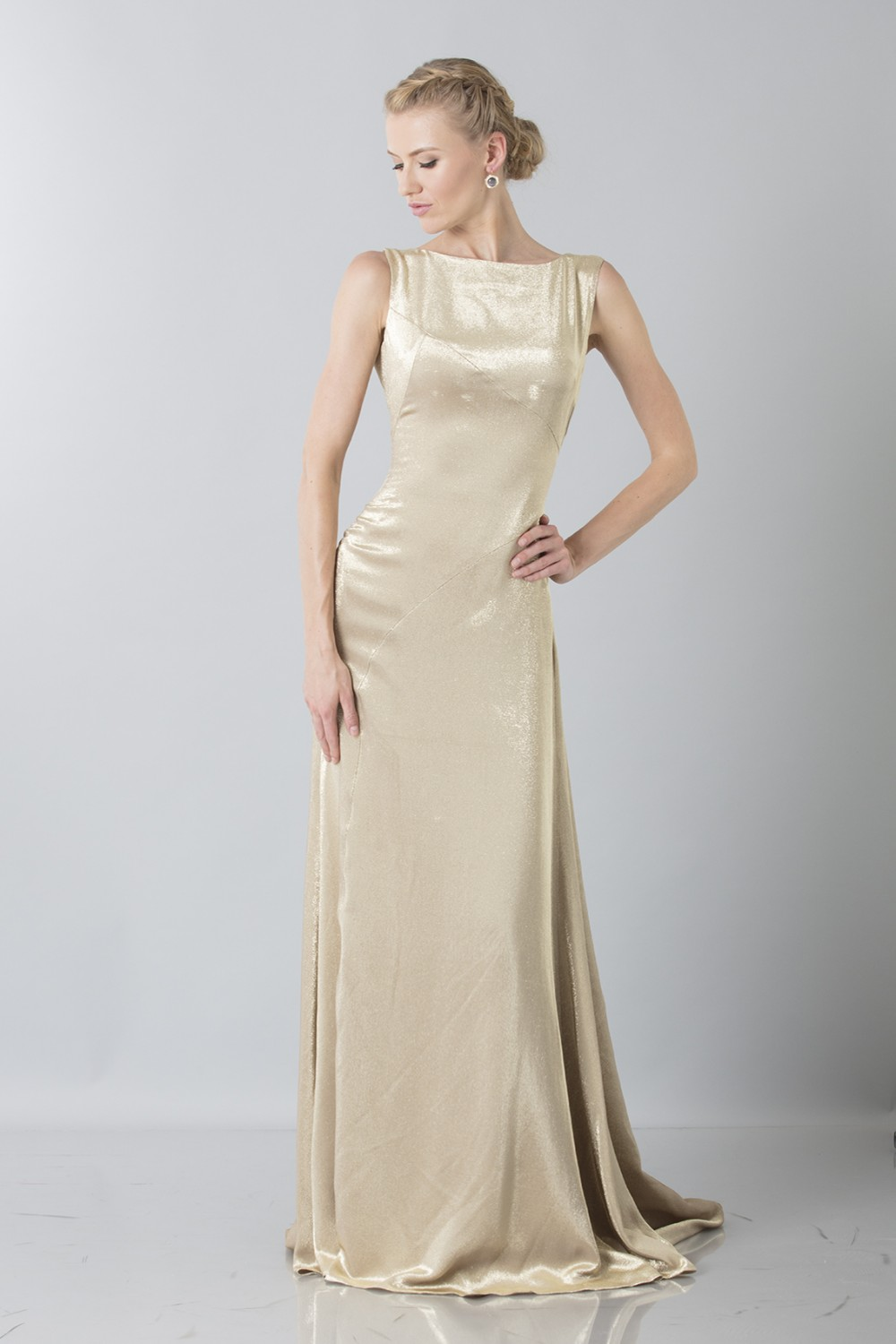 Gown with shiny golden texture