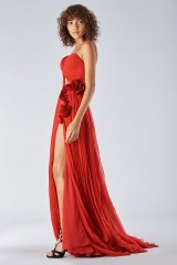 Drexcode - Dress with maxi slit and side application - Iris Serban - Rent - 3