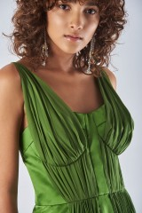 Drexcode - Long green dress with ruffles - Amur - Rent - 2