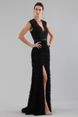 Drexcode - Black dress with finished skirt and V cut to the back - Halston - Rent - 6
