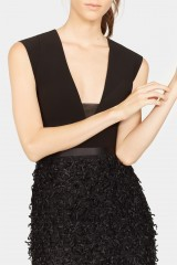 Drexcode - Black dress with finished skirt and V cut to the back - Halston - Rent - 4
