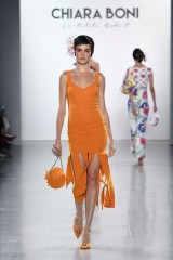 Drexcode - Orange knee-length dress with fringe - Chiara Boni - Rent - 5