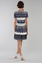 Drexcode - Short dress in blue and white lace - ML - Monique Lhuillier - Rent - 3