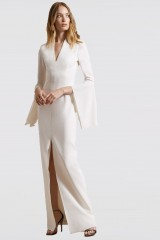 Drexcode - White dress with open bell sleeves - Halston - Rent - 4
