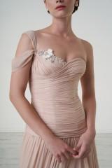 Drexcode - Nude one-shoulder dress - Iris Noble - Rent - 5