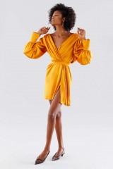 Drexcode - Short orange dress with V-neck - Rhea Costa - Rent - 1