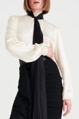 Drexcode - Camicia bianca in seta con fiocco nero - Redemption - Sale - 4
