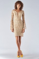 Drexcode - Lace sheath dress with bell sleeves - Forever unique - Rent - 4