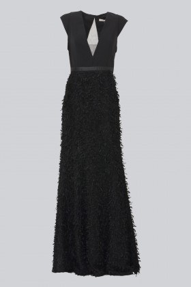 Black dress with finished skirt and V cut to the back - Halston - Rent Drexcode - 2