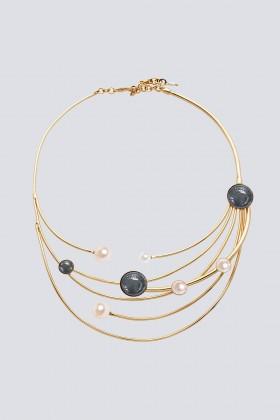 Collana in ottone e perle in resina - Sharra Pagano - Rent Drexcode - 1