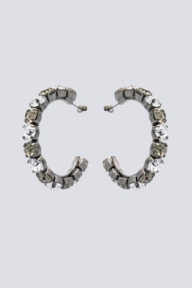 Orecchini a cerchio in metallo e strass - Sharra Pagano - Rent Drexcode - 1