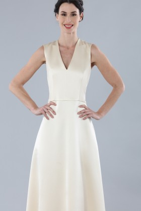 Ivory dress with V-neck in silk satin - Alberta Ferretti - Rent Drexcode - 1