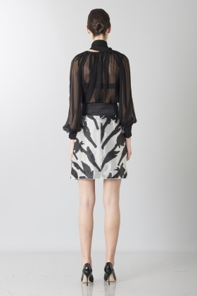 Black and white skirt with roses and silk black blouse - Blumarine - Rent Drexcode - 2