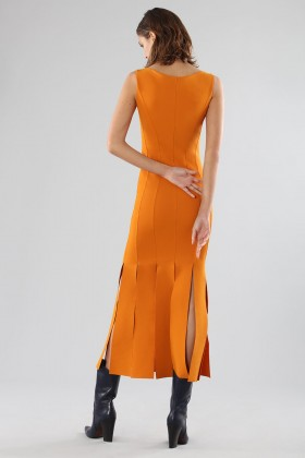 Orange knee-length dress with fringe - Chiara Boni - Rent Drexcode - 2