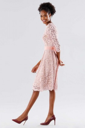 Pink lace dress with removable belt - Daphne - Rent Drexcode - 2