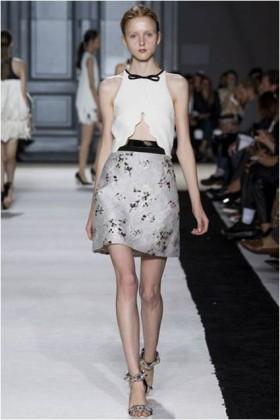 Crepe and jacquard dress with metal belt - Giambattista Valli - Rent Drexcode - 2