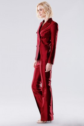 Burgundy satin suit with trousers and double-breasted jacket - Giuliette Brown - Rent Drexcode - 2
