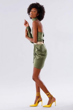 One-shoulder short olive dress - Rhea Costa - Rent Drexcode - 2