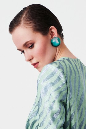 Green resin earrings - Sharra Pagano - Rent Drexcode - 2