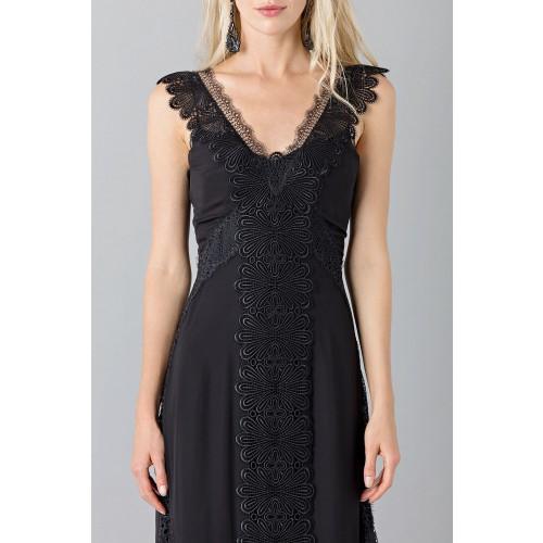 Vendita Abbigliamento Usato FIrmato - Long black dress with lace neckline - Alberta Ferretti - Drexcode -5
