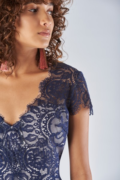 Blue lace dress with short sleeves