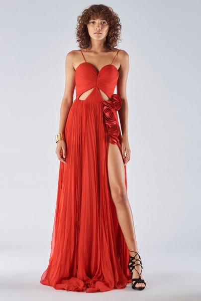 Dress with maxi slit and side application