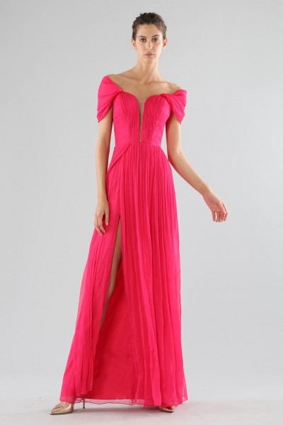 Off-shoulder fuchsia dress with slit