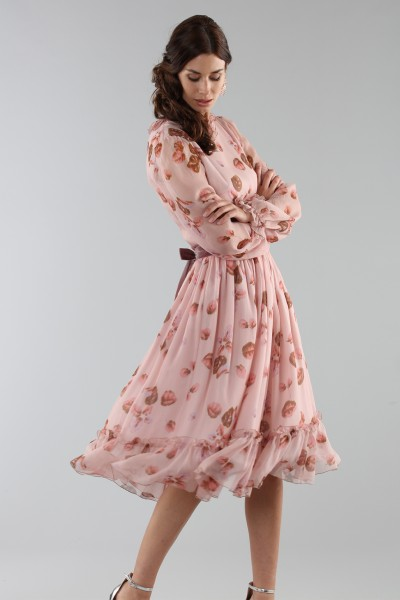 Pink dress with floral pattern and rouches