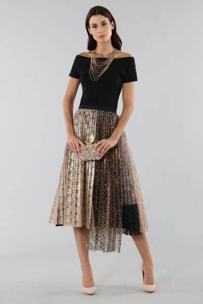 Pleated skirt with leopard print panel