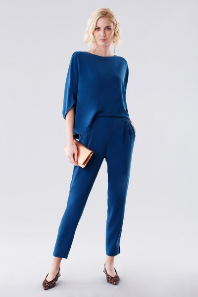 Jumpsuit with rouches on the back