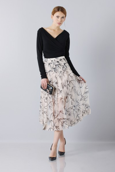 Longuette skirt patterned with swallows