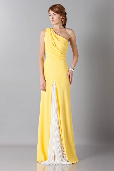 Yellow one-shoulder dress with front train