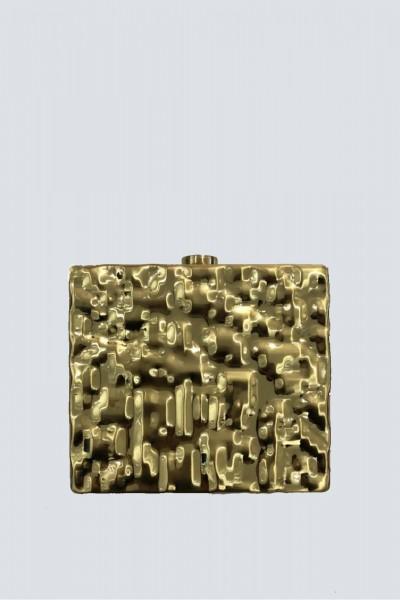 Rigid golden clutch