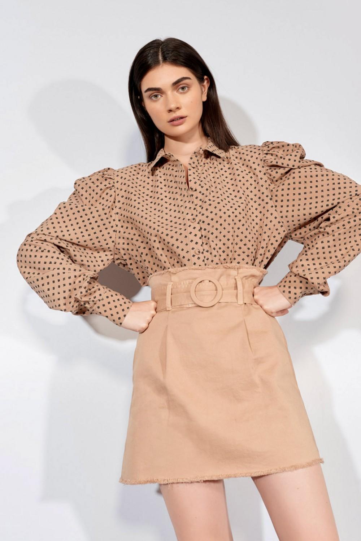 Camicia ampia con maniche a sbuffo